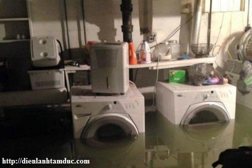 Tủ lạnh, máy giặt bị ngập nước và cách xử lý